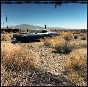 desert-abandoned-car